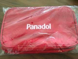 🚚 Red pouch with handle