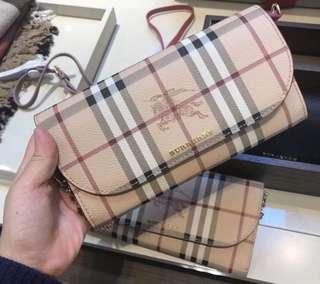 預購Burberry經典戰馬格紋WOC 鏈條包 斜背包 兩色