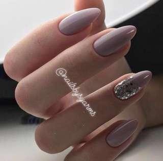 🚚 Gel Manicure