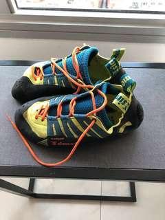 Simond Edge Rock Climbing shoes
