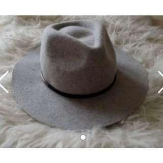 Kookai Grey felt wool hat