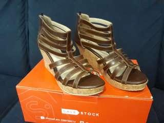 #maudompet Gladiator Wedges