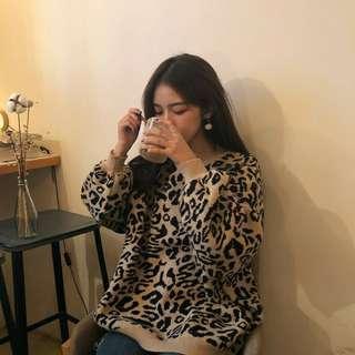 🚚 豹紋毛衣