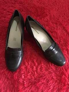 Obermain shoes