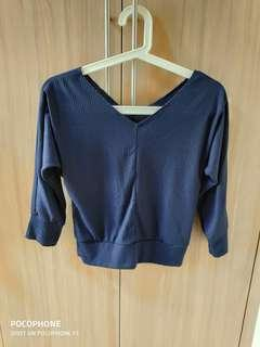 🚚 V neck 3/4 sleeve blouse top in navy blue