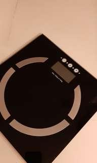 Glass body weight scale