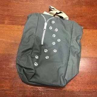 Reusable bag with zip