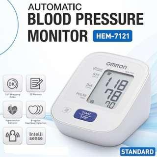🚚 Automatic Omron Blood Pressure Monitor (ARM) - HEM - 7121 - 30 memories  - Brand New!!!!