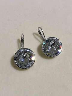 Swarovski silver 925 earring.
