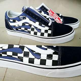 New original Vans Old School checker flaming navy/true size 9 US