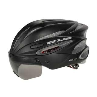 ***New GUB Black K80 PLUS Helmet with visor and goggles