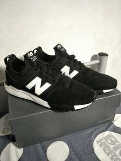 bn new balance 247 trainers in black