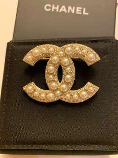 Chanel Pearl Brooch 心口針
