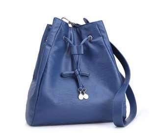 🚚 Mizzue Diedra Kielich Sling Bag