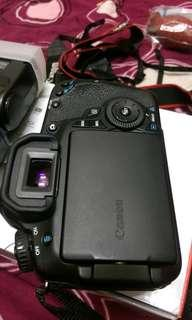 🚚 Canon eos 60d body only+ flash (acc box )