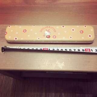 🈹🈹Hello Kitty 絕版鐵筆盒 Vintage Metal Pencil Case