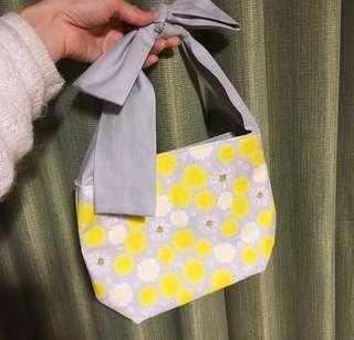 蝴蝶結小包