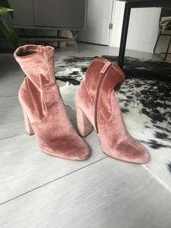 Blush Steve Madden booties size 5.5