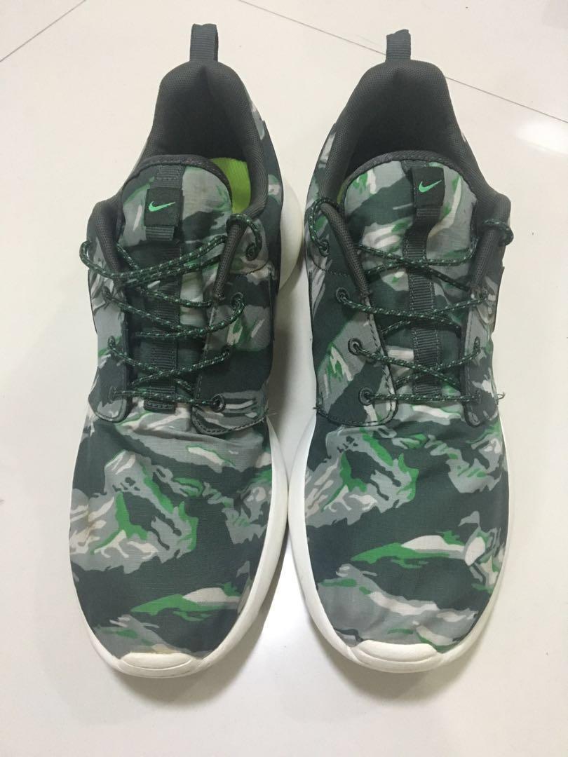 Nike roshe run green tiger camo men's running shoes on Carousell