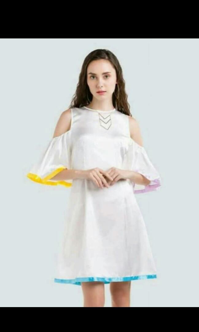 Pearl white summer dress / dress sabrina / gaun sabrina / gaun murah / dress murah