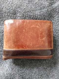 Fossil cow tile wallets ori