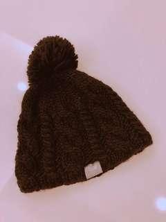 🚚 黑色毛球毛帽