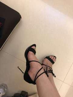 🚚 Kayina黑色高跟鞋