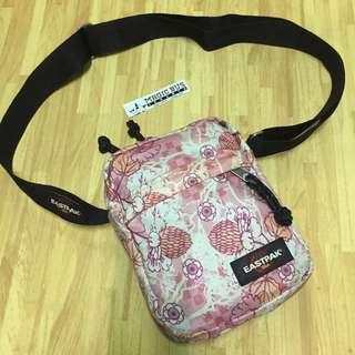 Eastpak 'the one' mini sling bag