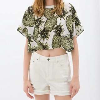 fa0559cb4bc7b ZARA Collection W & B with Pineapple print Sheer Cropped Top