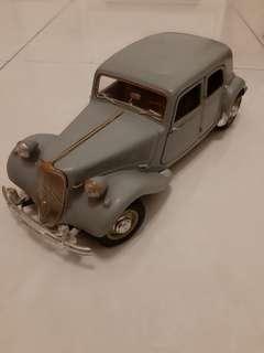1:18 Citroen 15CV 6 cylinder 1952