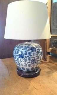 Porcelain table lamp lampu meja