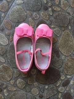 Sepatu anak perempuan merk carters