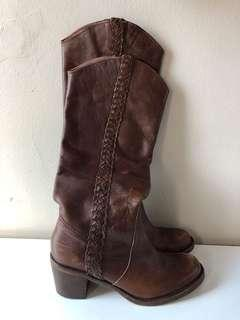 Steve Madden brown leather boots 8M