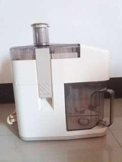 110 volts Juice Extractor