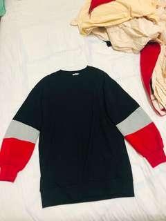 🚚 GU 黑灰紅交叉色撞色毛衣