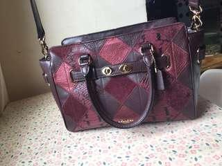 Swagger Coach 27 Dark Red