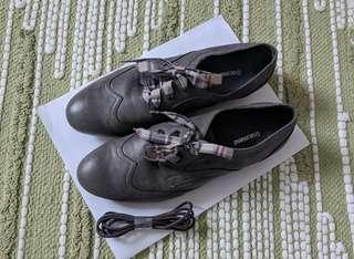 Olive grey dress shoes for women, size 38