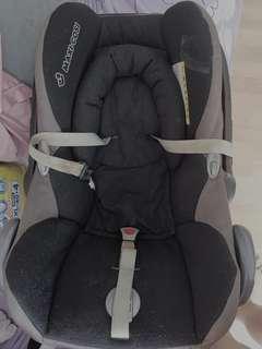 Maxi Cosi Cabriofix baby carseat