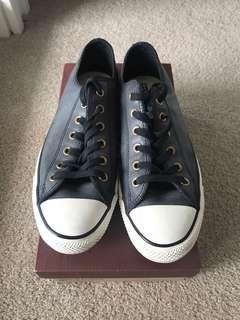 Converse All Star low top size 8 US