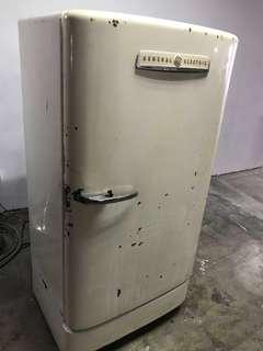 GE Refrigerator 1940s RARE!!