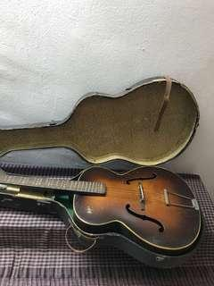Hofner Archtop 1950s with Ori Case
