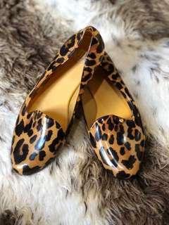 6 USA Melissa Mel Slip On Cheetah Animal Print