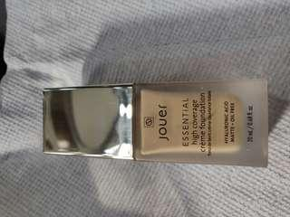 Jouer high coverage foundation in Latte