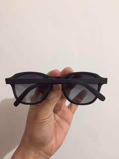 kacamata hitam zara wood