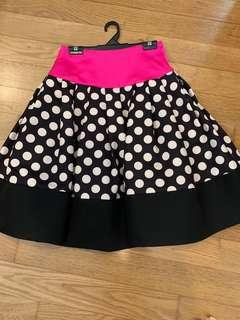 🚚 Pink skirt with polka dots