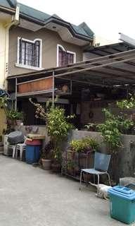 House and lot for sale  RUSH!!!Llocated at Quezon City