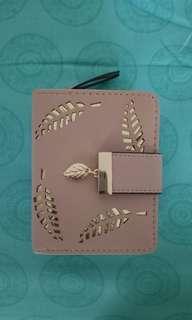 Dompet Pink lucu motif daun