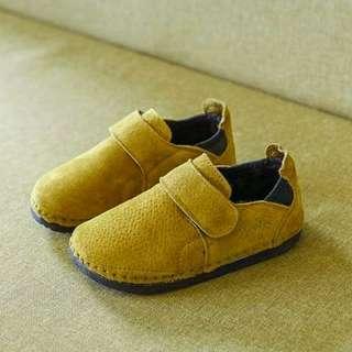🚚 兒童麂皮休閒鞋 30碼