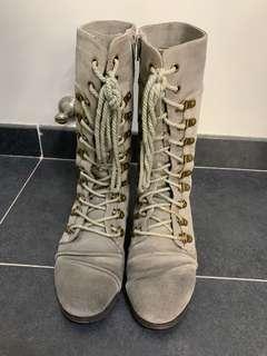 Rabbit 灰 boot