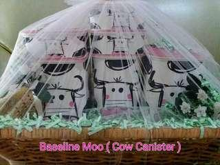 TUPPERWARE BASELINE MOO ( COW CANISTER )